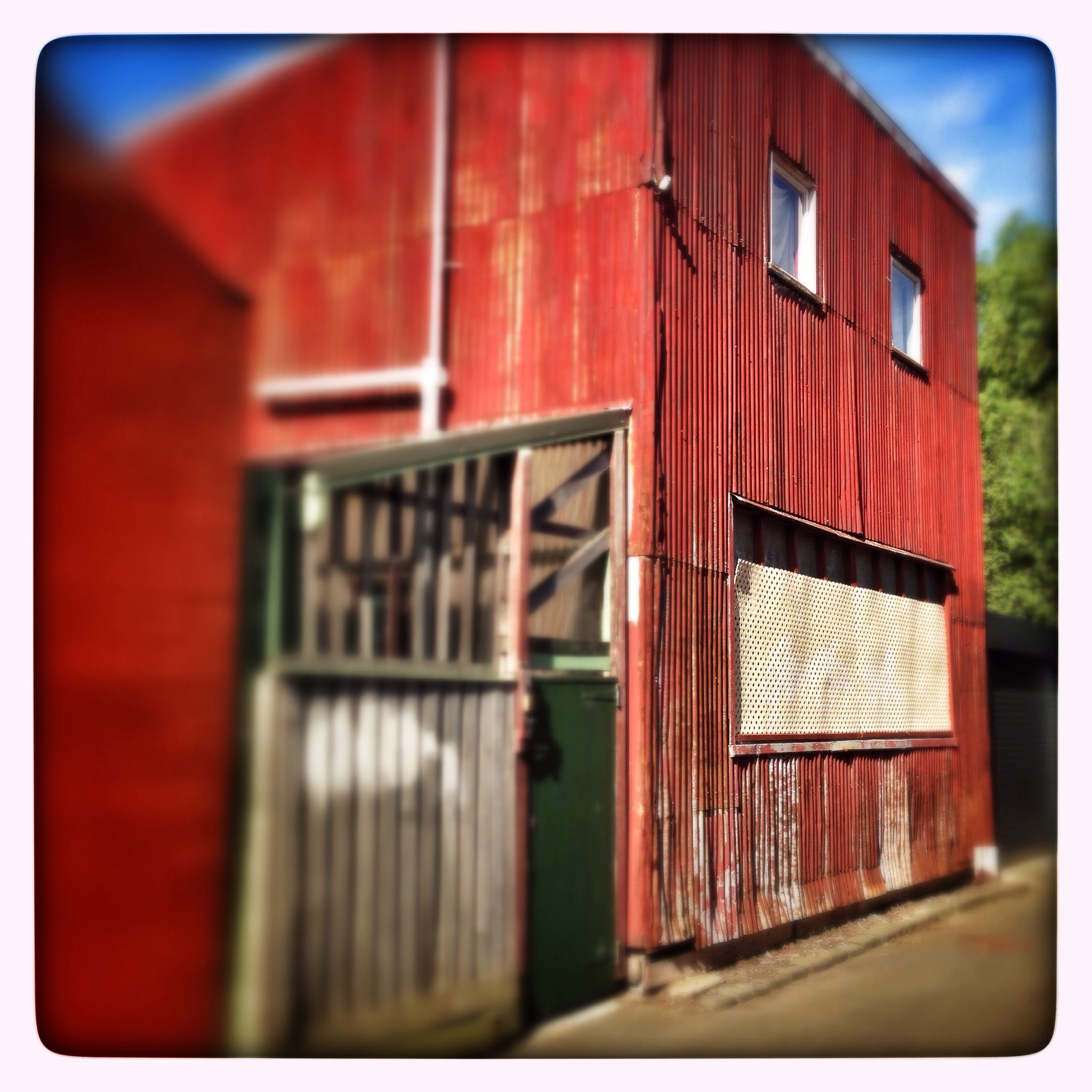 Day 1342. Barn Face